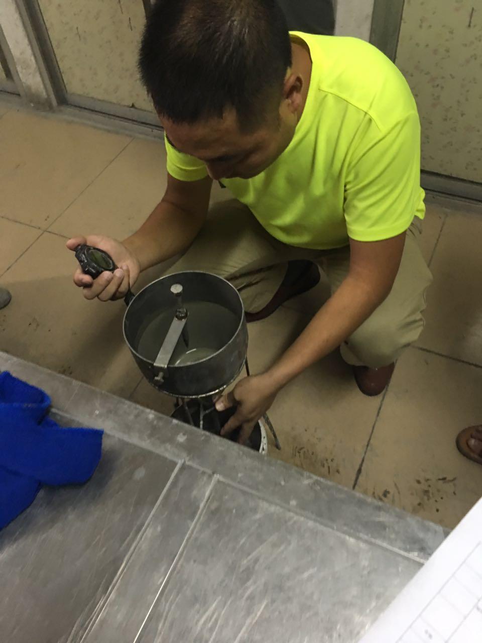 设备基础灌浆料试块制作技能比拼